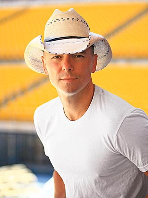 Country singer Kenny Chesney in a cowboy hat