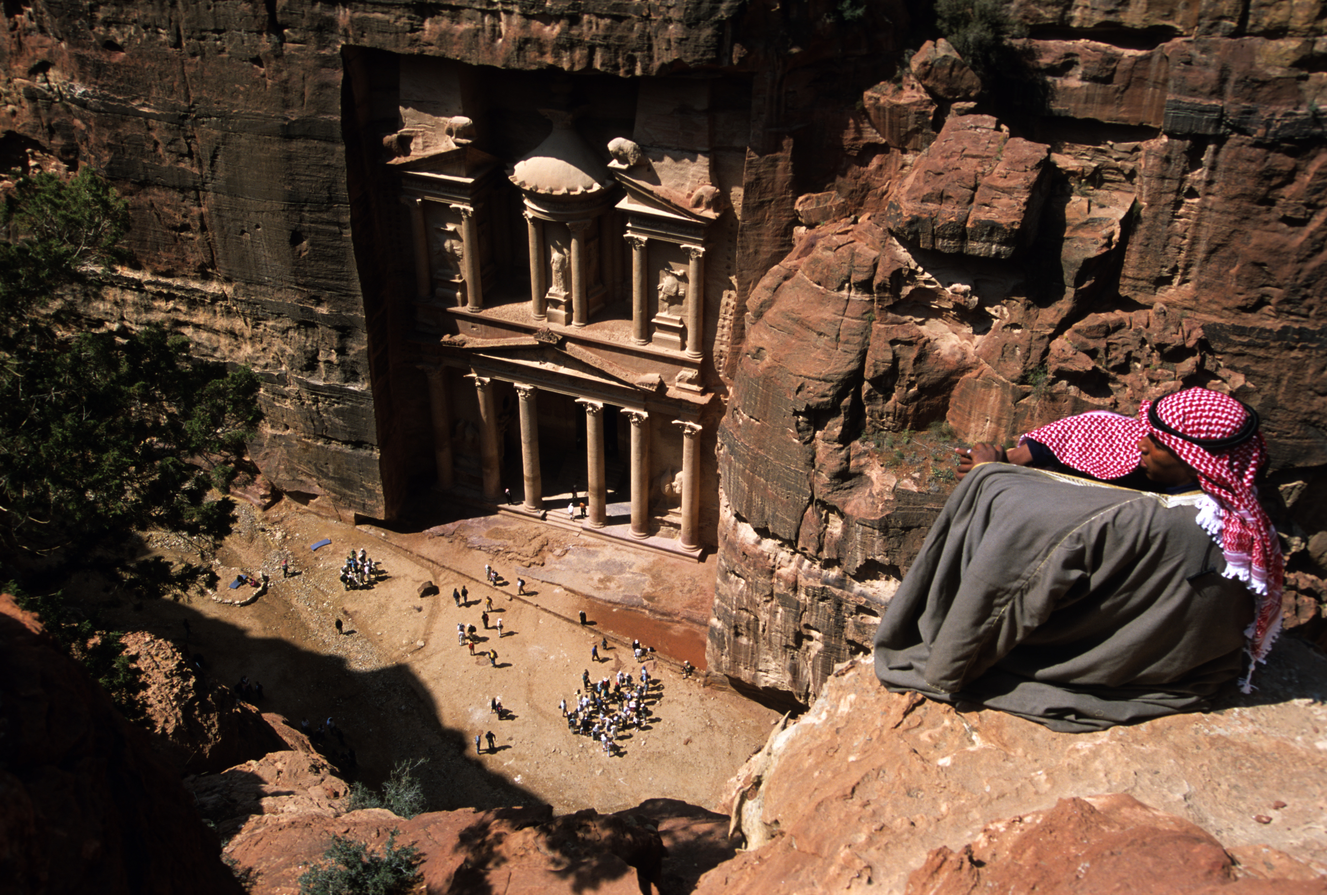 http://downtowntraveler.com/wp-content/uploads/2011/04/Petra-Treasury3.jpg