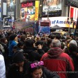 TweetThousands of people packed Times Square on Saturday afternoon hoping to score a plum spot for the New Year&#8217;s Eve ball drop.By 1 PM&#8211; 11 hours before the event&#8211; crowds...